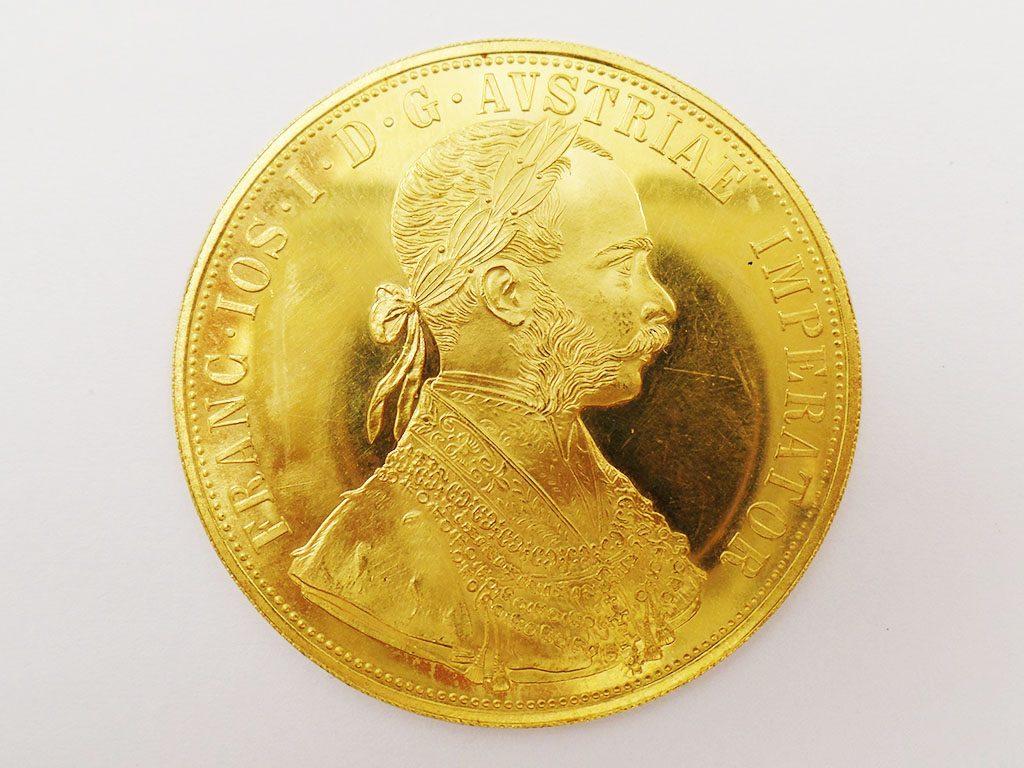 Medaglia d'oro all'asta