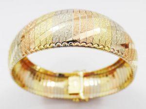 Lotto 97000 Due bracciali in oro giallo due bracciali in oro giallo, in oro rosso e in oro bianco Base d'asta: 1.520,00 € - Cauzione: 152,00 €