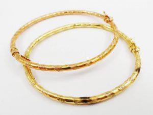 Lotto 98043 Bracciale in oro giallo bracciale in oro giallo e in oro bianco con diamantini vera in oro giallo bracciale in oro giallo collana in oro giallo due bracciali in oro giallo e in oro rosso di cui uno con saldatura bracciale in oro bianco e in oro giallo Base d'asta: 1.720,00 € - Cauzione: 172,00 €