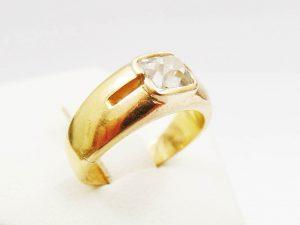 Lotto 98215 Anello in oro giallo con diamante Base d'asta: 120,00 € - Cauzione: 12,00 €