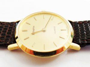 Lotto 98856 Orologio in oro bianco con bracciale in oro bianco marchiato Dalim 17 Rubis orologio in oro giallo marchiato Zenith con cinturino in pelle anello in oro bianco e in oro giallo con brillante brillantini Base d'asta: 2.000,00 € - Cauzione: 200,00 €